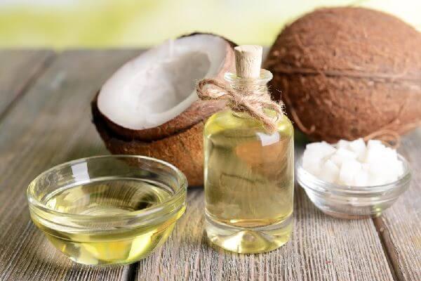 ココナッツオイルの中鎖脂肪酸によるダイエット効果